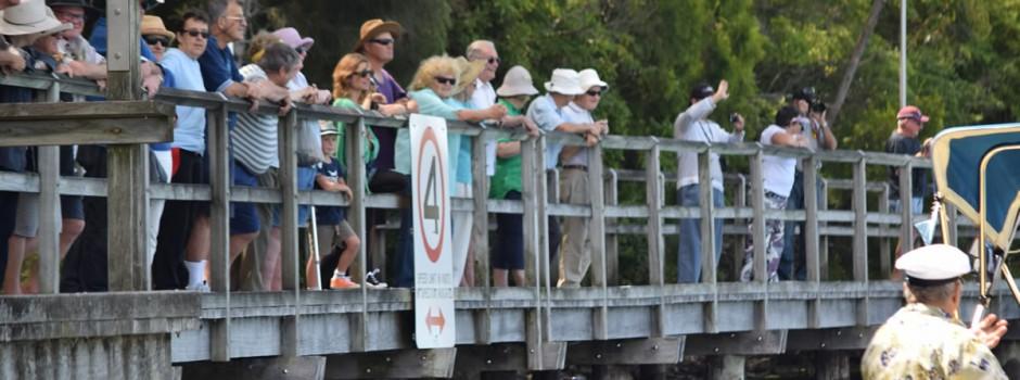 crowds-boardwalk